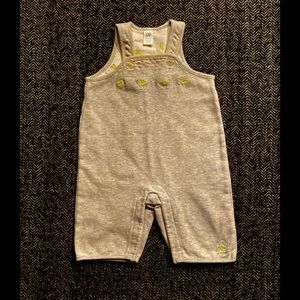 4 for $20  Gap romper with duck detailing 0-3 m